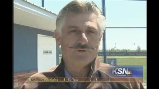 Rollie Fingers Visits Commerce