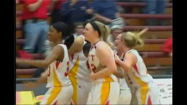 Drew Roberts Comes Up Clutch, Pitt State Women Get Back on the Winning Train