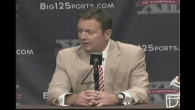 Bob Stoops Nine Wins Away From Passing Barry Switzer