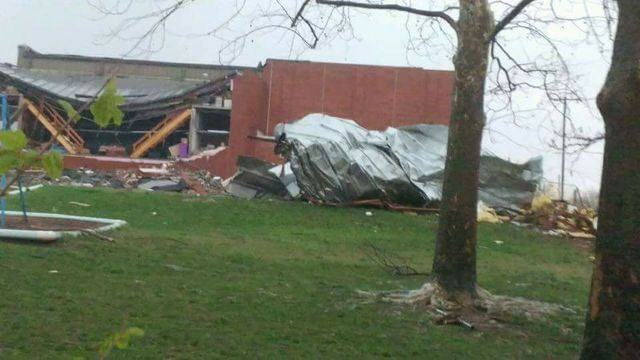 Suspected tornado destroys Missouri elementary school, fire station