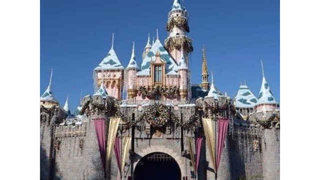 Disneyland Shuts Cooling Towers Over Legionnaires