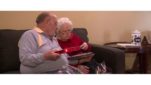 Husband continues 39-year Valentine's Day tradition for wife with dementia